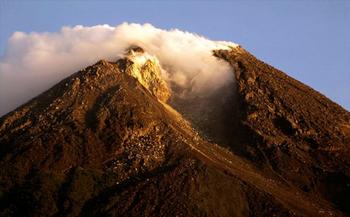 ムラビ山噴火.jpg